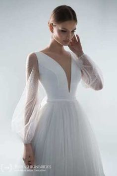 Strekoza 2020 Spring Bridal Collection – The FashionBrides Tulle Skirt Wedding Dress, Boho Wedding Dress, Chic Dress, Boho Dress, Rustic Wedding Gowns, Wedding Dresses Photos, Gowns With Sleeves, Queen, Bridal Collection