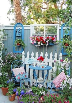 78 Best Spring Garden Decoration Ideas For Backyard & Front .- 78 Best Spring Garden Decoration Ideas For Backyard & Front Yard 78 Best Spring Garden Decoration Ideas For Backyard & Front Yard - Dream Garden, Garden Art, Fence Garden, Gnome Garden, Garden Nook, Fence Art, Diy Fence, Garden Signs, Easy Garden