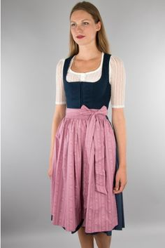 All Fashion, Womens Fashion, Street Fashion, Dirndl Outfit, German Costume, Traditional Outfits, Vintage Looks, Beauty Women, Midi Skirt