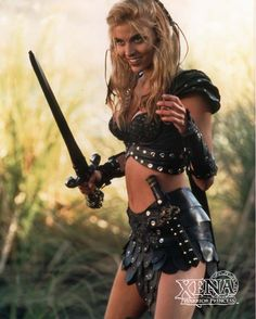 Hudson Leick as Callisto, Xena Warrior Princess. Xena Warrior Princess, Warrior Girl, Fantasy Warrior, Callisto Xena, Hudson Leick, Paddy Kelly, Halloween Disfraces, Fantasy Women, Badass Women