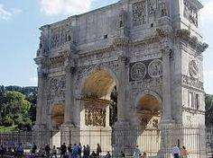 El Arco de Constantino fue erigido en el año 315 en conmemoración de la victoria de