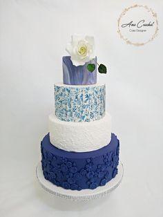 White and Blue Wedding Cake - cake by Ana Crachat Cake Designer