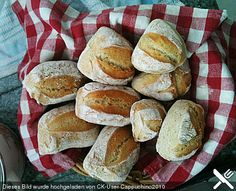 Schnelle Sonntags-Brötchen. Teig muss am Tag vorher fertig gemacht werden!!!!!! German Bread, German Baking, Cooking Bread, Easy Cooking, Grilling Recipes, Cooking Recipes, Austrian Cuisine, Breakfast Recipes, Dessert Recipes
