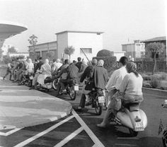 Italian Vintage Photographs ~ #Italy #Italian #vintage #photographs #family #history #culture ~Tutti in vespa!! (Anni '60)