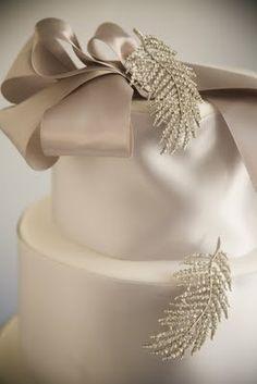weddingcake http://www.pinterest.com/ikonworks/ https://www.facebook.com/pages/Ikon-Works/335268166553005 #rockmywinterwedding @Rock My Wedding