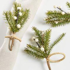 Christmas Table Linen, Christmas Bowl, Christmas Tabletop, Christmas Table Decorations, Cabin Christmas, Balloon Decorations, Christmas Napkin Rings, Christmas Napkins, Christmas Crafts