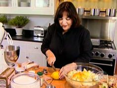 Ina's old-fashioned apple crisp is great with homemade vanilla ice cream.   This video is part of   Barefoot Contessa show   hosted by Ina Garten . SHOW DESCRIPTION :Ina Garten knows how to entertain with simplicity, style and fun. Visit with Ina at home in the sumptuous Hamptons of New York to discover her shortcuts and strategies for make-ahea...