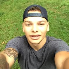 Kane Brown on Vine — Finebox Country Love Song Lyrics, Country Music Singers, Kane Brown Music, Brown Wallpaper, Weed Wallpaper, Cole Swindell, Garth Brooks, Brown Babies, Luke Bryan