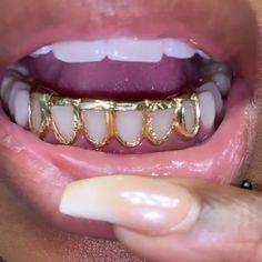 Cute Jewelry, Body Jewelry, Tooth Jewelry, Anklet Jewelry, Gems Jewelry, Girls With Grills, Girl Grillz, Diamond Teeth, Photo Tips