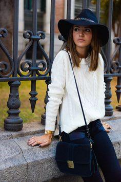 jeans: Gas Jeans booties: Anine Bing sweater: Suiteblanco watch: Sheen de Casio hat: Styligion bag: Mango