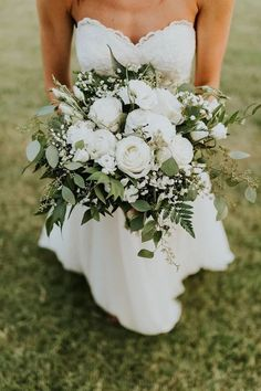 Greenery seeded silver dollar eucalyptus wedding bouquet  #weddings #weddingideas #wedding #greenwedding #weddinginspiration #deerpearlflowers #weddingbouquets