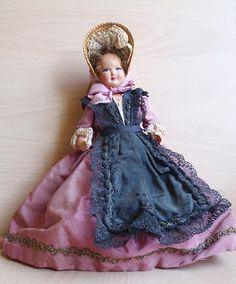 poupée de Lyon