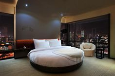 mother of de casas design and decoration house design design Circle Bed, Round Beds, Luxurious Bedrooms, Luxurious Homes, Luxury Homes, Dream Bedroom, City Bedroom, Hotel Bedrooms, Master Bedroom