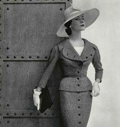 Jacques Fath, 1954. Photo by Philippe Pottier #1950s #fashion #suit