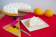 ¿Quien no ha probado una lemon pie? Nuestra tartaleta de limón mezcla perfectamente la acidez de una fina crema de limón natural con el dulzor del exquisito merengue suizo