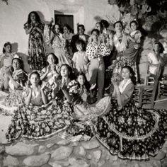 ean Dieuzaide (1921-2003)  Granada, cuevas del Sacromonte, 1951.  Disponible, 600 €