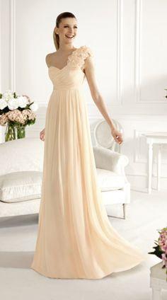 INSPIRE ME! #CUSTOMWEDDING! bezazzled.com ❤ so beautiful bridesmaid dresses and i love it
