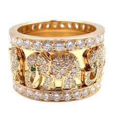 CARTIER Emerald Diamond Yellow Gold Elephant Ring | Amazing