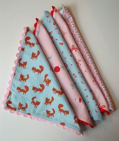 Kid's CLoth Napkins Tutorial. eco-friendly solution to paper napkins and cute to boot. double sided.