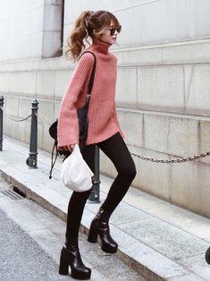 Akaneさんのコーディネート Fashion Moda, Fashion Pants, Daily Fashion, Love Fashion, Winter Fashion, Womens Fashion, Winter Outfits, Cool Outfits, Times Square