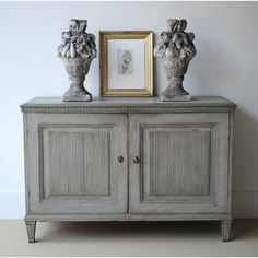 Charmant Reeded Swedish Chest, 19th C. From Tone On Tone Drawer Table,