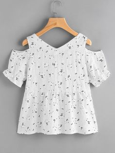 Open shoulder ditsy print eyelet lace up blouse urban outfitters clothes, kids outfits, cool Kids Outfits, Cool Outfits, Flannel Outfits, Urban Outfitters Clothes, Girl Fashion, Fashion Outfits, Fashion 2017, Fashion Fashion, Street Fashion