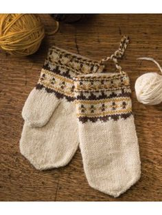 Go back in time with the Skolt Sámi Mittens by Laura Ricketts, originally featured in Knitting Traditions Fall Mittens Pattern, Knit Mittens, Mitten Gloves, Knitting Yarn, Knitting Patterns, Knitting Ideas, Knitting Magazine, Knitting Accessories, Hand Warmers