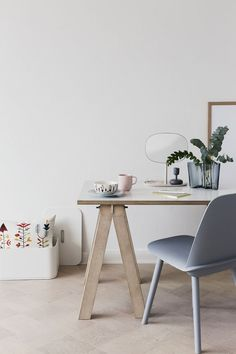 Only Deco Love: Interior Design Home Interior Design, Interior Styling, Interior Decorating, Bureau Design, Scandinavian Living, Scandinavian Interior, Workspace Inspiration, Home Decor Inspiration, Decor Ideas