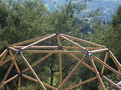 Geodesic dome in bamboo guagua by Geopues (Palakas+Ubik+TallerTortuga+AndrésWalker)