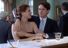 Debra Messing and Dermot Mulroney in The Wedding Date (2005)
