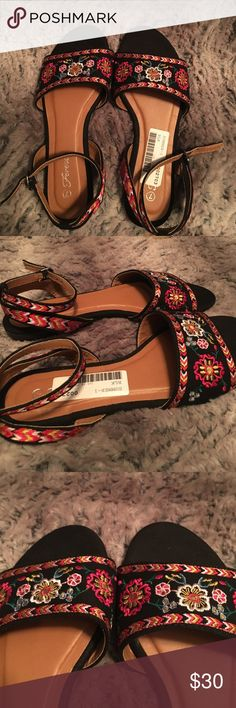 Floral Sandals🌺🌸 Super cute sandals bought in a boutique. Brand just says forever. Colors and pattern give a Mexican heritage vibe. Never worn. Still has the barcode label on as seen on first photo. Thanks for looking! Shoes Sandals