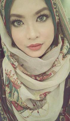 #hijabfashion #hijab #beautiful #blueeyes hijab fashion ideas for blue eyes