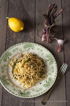 caffé col cioccolato: spaghetti all'asparago viola d'Albenga e limone