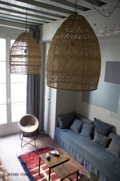 I love tiny apartments, Paris apartments, so a tiny Paris apartment is the best of both worlds Small House Interior Design, Apartment Interior Design, Studio Interior, Interior Ideas, Tiny Apartments, Paris Apartments, Mona Market, Paris Flat, Appartement Design