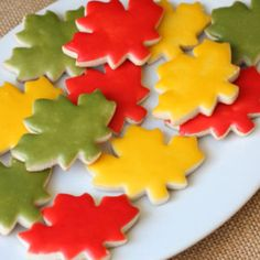 Basics of icing cookies, these instructions will help you ice pretty cookies without the use of a piping bag, Chocolate Drop Cookies, Apple Pie Cookies, Iced Cookies, Sugar Cookies, Frosted Cookies, Chocolate Malt, Decorated Cookies, Cookie Decorating Icing, Cookie Icing