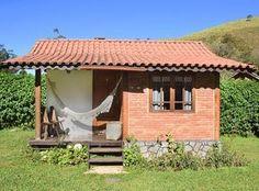 Chalés em Visconde de Mauá - Pousada do Encanto Village House Design, Village Houses, Tiny House Design, Best Tiny House, Tiny House Cabin, My House, Small House Plans, Little Houses, House Rooms
