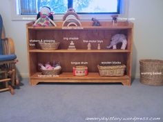 Montessori Room for Babies - 1 Year old - Low Shelves and Toys.need to set up something like this for youngest children in Mon group. Montessori Toddler Rooms, Montessori Bedroom, Montessori Activities, Infant Activities, Ikea Montessori, Toy Shelves, Nursery Shelves, Shelving, Washing Basket