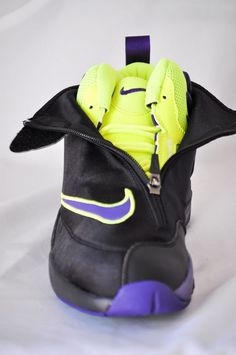 bac2c3948cf Nike Zoom Flight The Glove LA Lakers Basketball Black Court Purple-Volt sz 9
