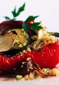 Gefüllte Paprika vegetarisch (mit Gemüsebulgur) - Rezept