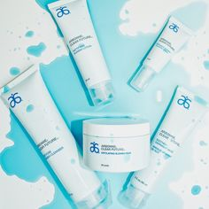 #arbonne #clearfuture #globallaunch Clear Future® has launched! Leave your blemished past behind, and discover a truly forward thinking approach to clear skin. Clear Future® products were developed as a complete system to clear up blemishes and prevent new blemishes with the exfoliating power of salicylic acid.
