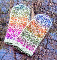 Ravelry: Fuchsia Mittens pattern by Natalia Moreva