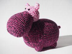 Dieren & monsters - Groot knuffel Nijlpaard, roze - Een uniek product van Annemarijn op DaWanda