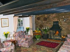 Top rated Holiday Cottage Rental with shared indoor pool and beach/lake nearby