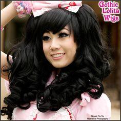(http://www.gothiclolitawigs.com/wavy-black-lolita/)
