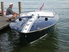 Gorgeous 1969 Chris Craft Commander 19 Custom Super Sport, vintage fiberglass speed boat, beautifully restored by Macatawa Bay Boat Works in Saugatuck, Michigan.