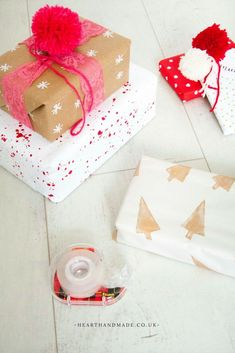 Bonus Free Printable Gift Wrap - Crazy Cheap Gift Wrapping Ideas That'll Save You Money! + Bonus Free Printable Gift Wrap and Tags - Diy Craft Projects, Crafts For Kids, Decor Crafts, Craft Ideas, Craft Gifts, Diy Gifts, Diy Home Decor For Apartments, Do It Yourself Decorating, Christmas On A Budget