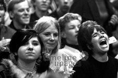 Fans beim Stones Konzert 1965 Halle Münsterland Hermann Schröer/Timeline Images #1965 #60s #60er #Rock #Konzert #Musik #Fan #Euphorie