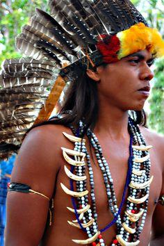 Xerente   by Claudia Mori. Habitantes de 56 aldeias das Terras Indígenas Xerente e Funil, no Estado do Tocantins. Por volta do século XVII tiveram o primeiro contato com os não índios, com as chegada dos jesuitas e colonizadores.