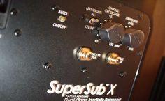Malý, ale šikovný - takový je jeden z nejzábavnějších (byť trochu americky rozmáchlých) kompaktních subwooferů na trhu. Nový SuperSub X od GoldenEar Technology  Další dojmy v recenzi na http://www.hifi-voice.com/testy-a-recenze/subwoofery/1282-goldenear-supersub-x