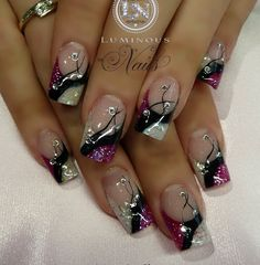 faded french nails With Diamonds Pretty Nail Art, Beautiful Nail Art, Gorgeous Nails, Fabulous Nails, Elegant Nails, Stylish Nails, Fancy Nails, Cute Nails, Luminous Nails